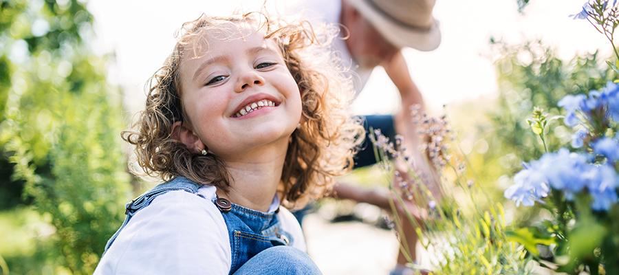 Initier son enfant au jardinage